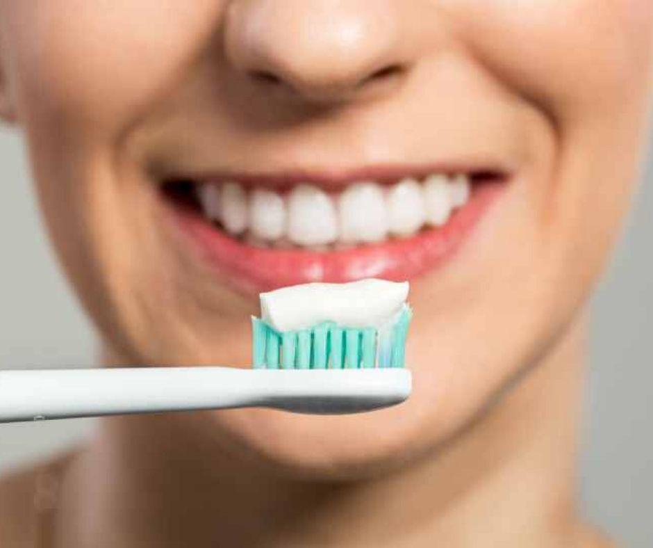 Tratamiento y Prevención del Sangrado de Encías - Alcantarilla | Clínica Dental Dra. Ana Belén Martínez